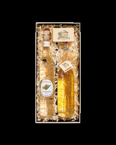 Nr. 16 - Nuss-Genuss Geschenkpaket von Prinz mit je einer 0,5-Liter-Flasche Haselnuss Schnaps und Alter Haselnuss in der Geschenkschachtel.