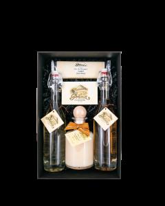 Nr. 34 - Edle Genussmomente Geschenkpaket von Prinz mit je einer 0,2-Liter-Flasche Alte Williams-Christ-Birne, Alte Wald-Himbeere und Marc de Champagne Trüffel Likör sowie einer Tafel Marc de Champagne Trüffel Schokolade.
