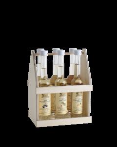 Zweireihiger Holzträger mit sechs verschiedenen 0,04-Liter-Flaschen der Alten Sorten von Prinz.