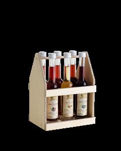 Zweireihiger Holzträger mit sechs verschiedenen 0,04-Liter-Flaschen der Wild Liköre von Prinz.