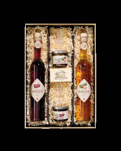 Geschenkpaket Nr. 03 - Wilde Kiste mit drei 0,5-Literflaschen Wild Kirsch Likör, Wild Walnuss Likör und Wild Waldbeeren Likör von Prinz.