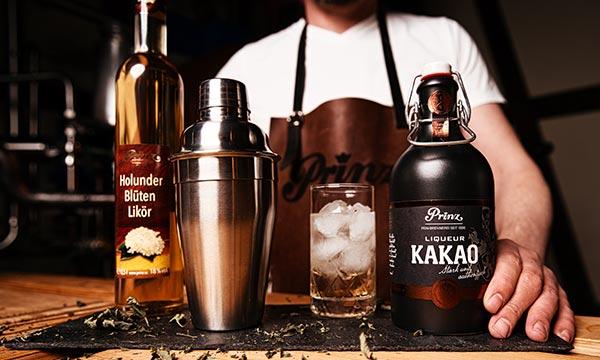 Cocoa-Mint Smash der erfrischende Cocktail mit Nobilant Kakao Liqueur und Prinz Holunderblüten Minze Likör